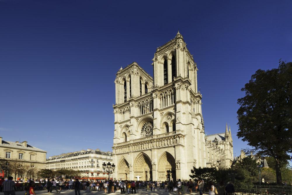 Illustration til artikel om gratis oplevelser i Paris.