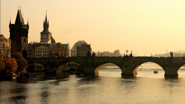 Familieferie i Prag - Karlsbroen