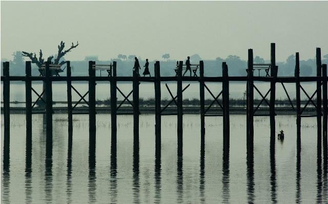 U Bein-broen en tidlig morgen