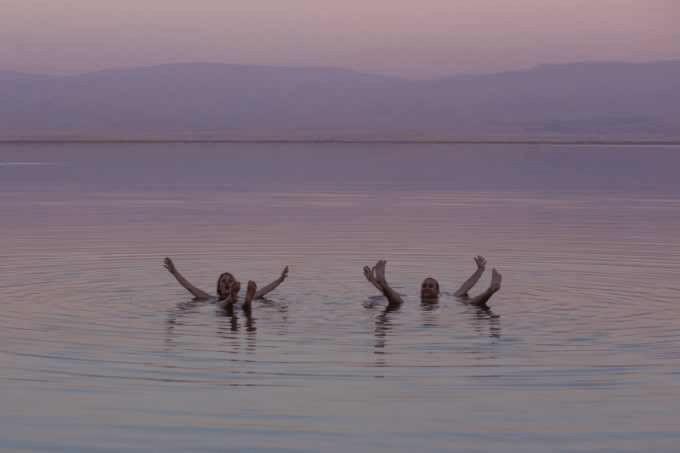Karen Seneca og Lasse i Det Døde Hav