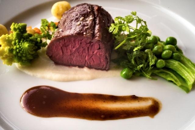 Mørbrad fra Le Port, en af de mange, gode spisesteder på Bornholm