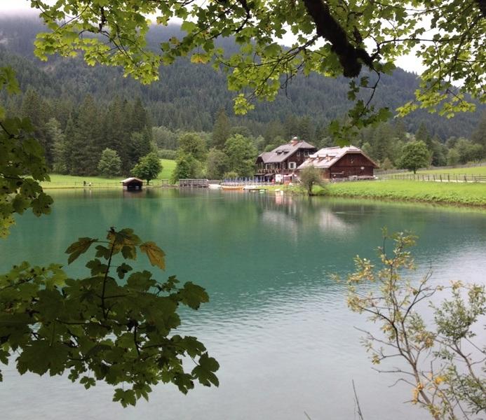 Vi gik en tur rundt om Jägersee udenfor Wagrain. Et nærmest magisk landskab, som ledte tankerne hen på Ringenes Herre.