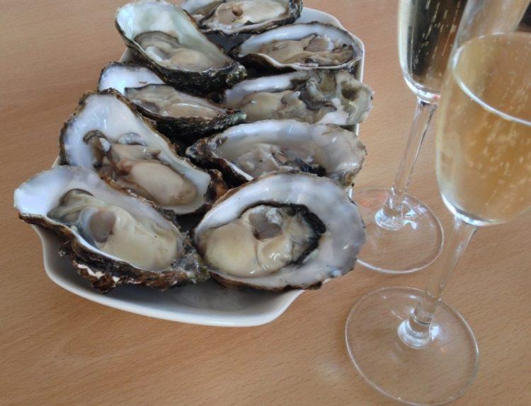 Østers og champagne på Molen, Bornholm