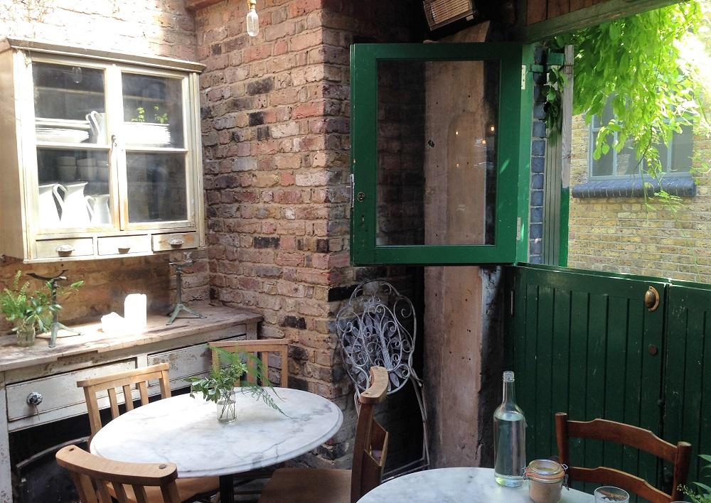 Campania er en af de virkelig gode restauranter i London. Her ses et udsnit af restauranten.