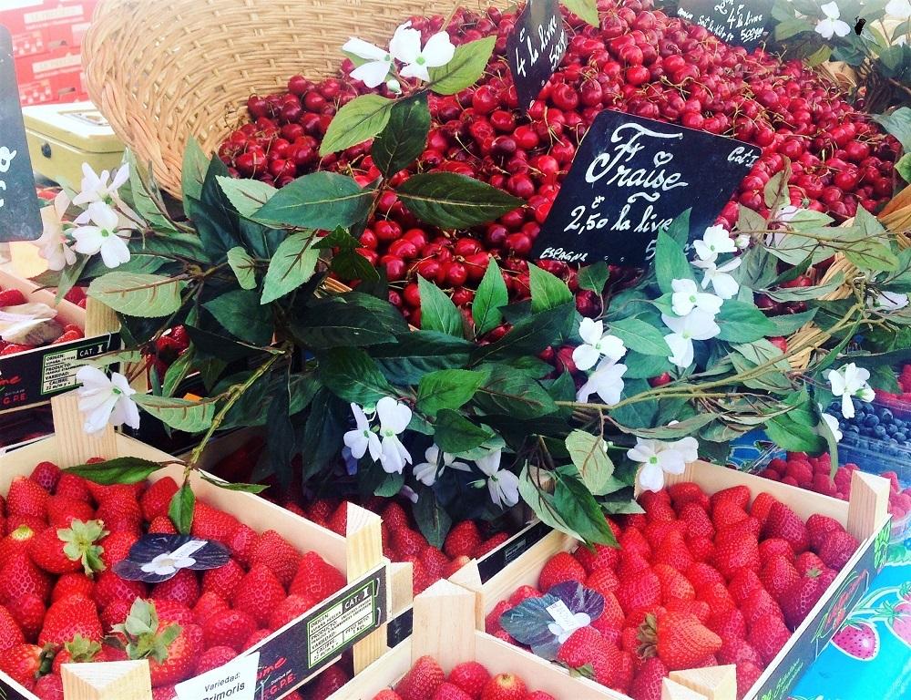 Jordbær på et marked i Bordeaux