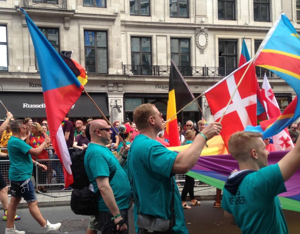Det danske flag blev også luftet.