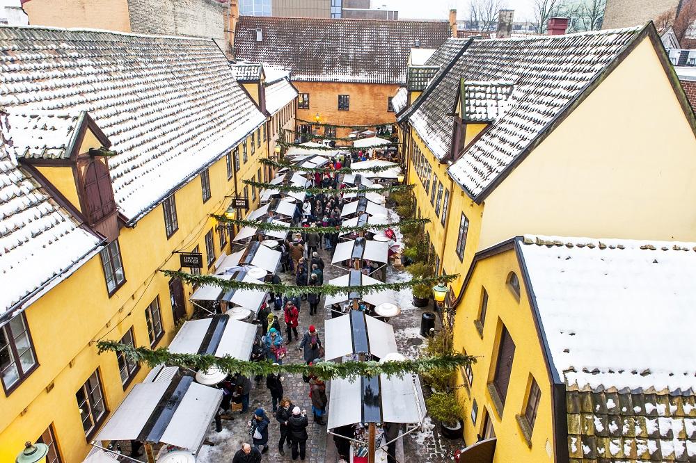 Julemarked i Sankt Gertruds smukke rammer.