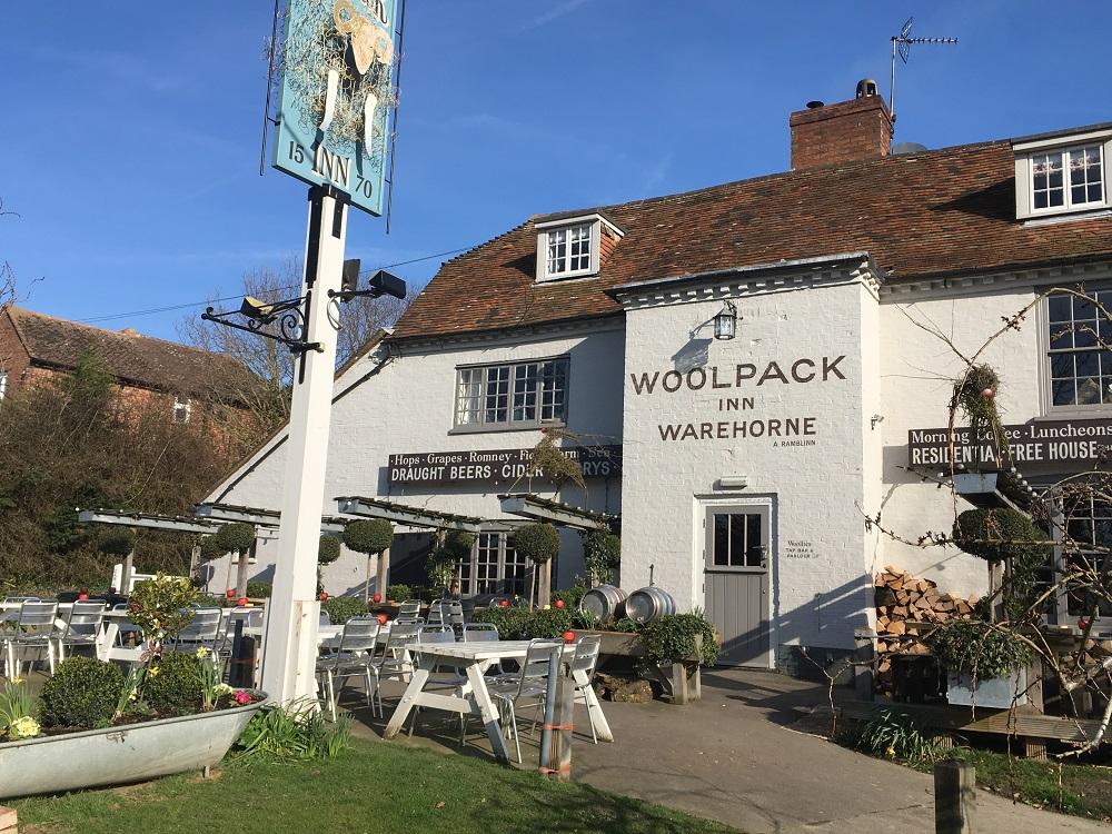 Woolpack Inn Warehorne set udefra