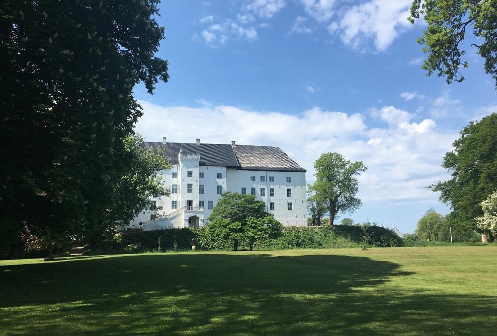 Dragsholm Slots bagside