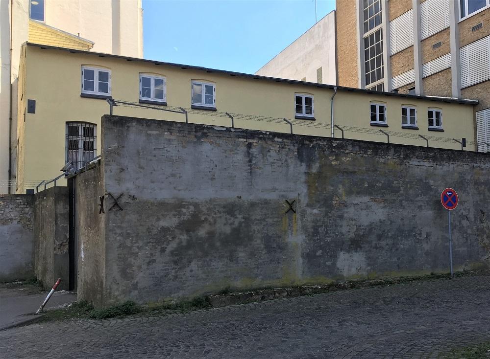 Mur hvor Speer og Co blev anholdt i 45