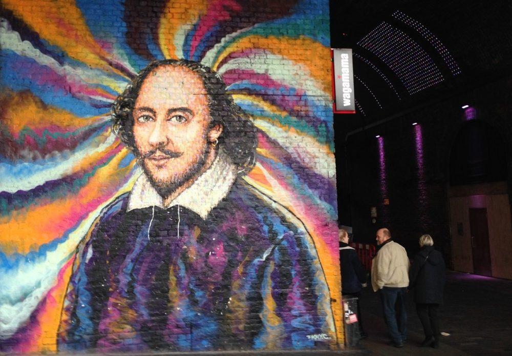 Shakespeare pryder væggen tæt på Globe Theater.